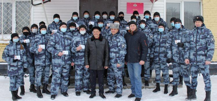 Сотрудники барнаульского ОМОН получили знаки отличия ГТО