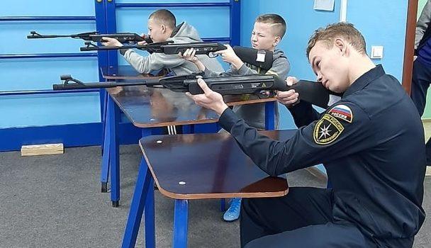 Выполняем стрельбу из электронного оружия
