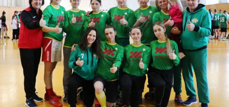 «Юности Алтая» и хоккеистки «Коммунальщика» выполнили нормативы комплекса ГТО